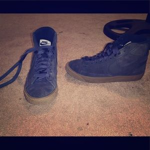 Youth Nike SB suede high top sneakers